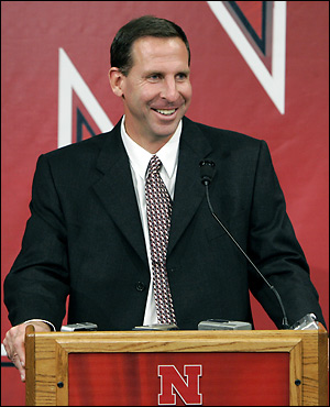 http://pbrown16.files.wordpress.com/2008/08/bo-pelini.jpg